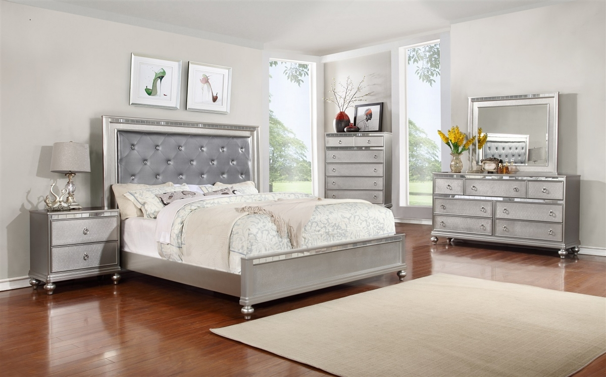 . B4183 Contemporary Bedroom Set in Silver Finish