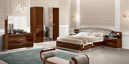 Onda Italian Bedroom Set in Walnut Lacquer Finish
