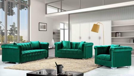 Kayla 615 Classic Living Room Set in Green Velvet