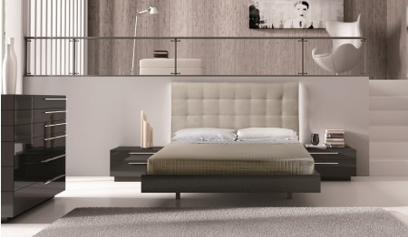 Beja Modern Bedroom Set in Brown Lacquer Finish