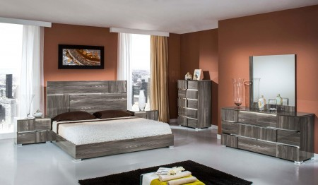 Modern Elm Grey Lacquer Picasso Modrest Italian Bedroom Set