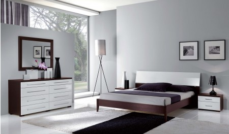 Luxury Italian Bedroom Set in White and Espresso Finish