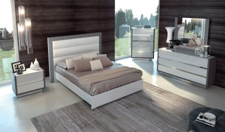 Mangano Italian Bedroom Set in White and Silver Finish