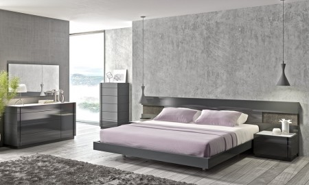 Braga Bedroom Set in Grey Lacquer Finish with Lights