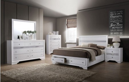 Chrissy Bedroom Set in White Finish
