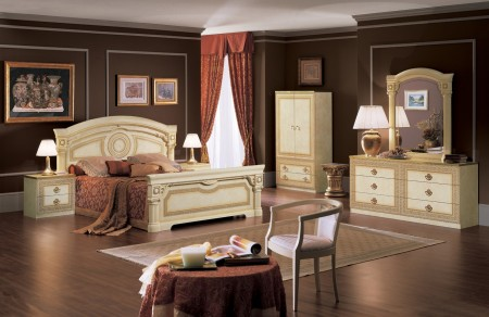 Aida Italian Bedroom Set in Ivory and Gold Finish