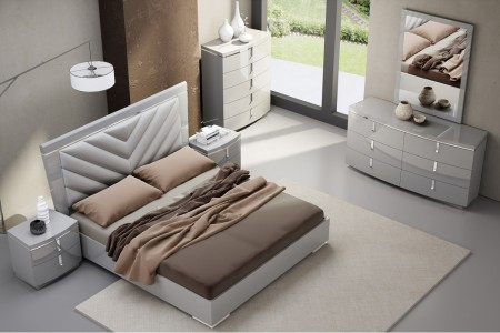 J&M Furniture New York Bedroom Set in Grey Finish