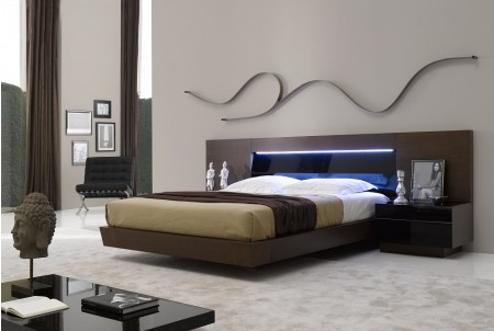 Tobacco Brown Finish Barcelona Modern Bedroom Set