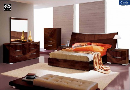 Cindy Italian Bedroom Set in Walnut Lacquer Finish