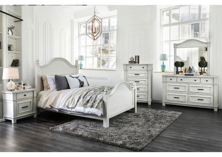 Daria Traditional Bedroom Set in Antique White