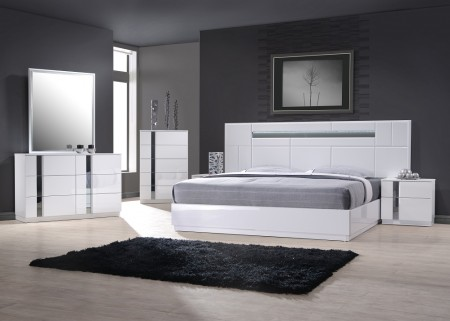 Palermo Bedroom Set in White Lacquer Finish and LED Lights