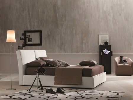 Clay Italian Platform Storage Bed in Ivory Fabric