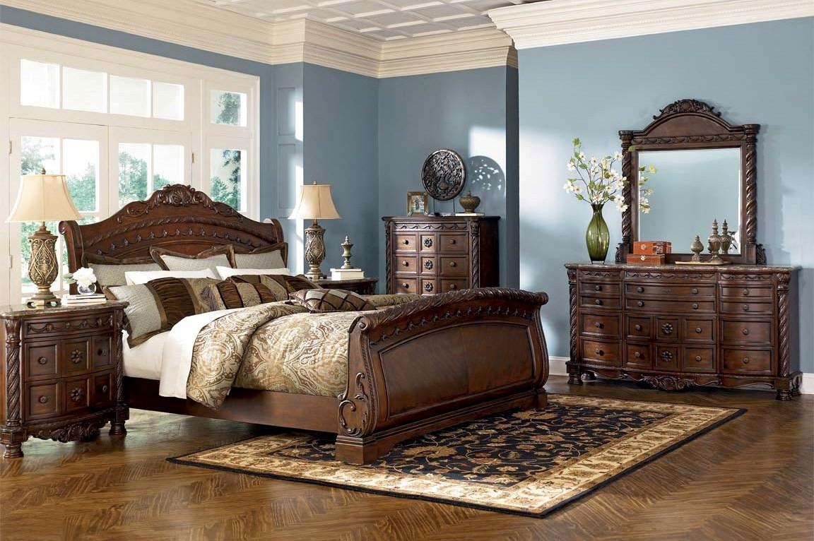 Ashley Furniture North Shore Sleigh Bedroom Set B553