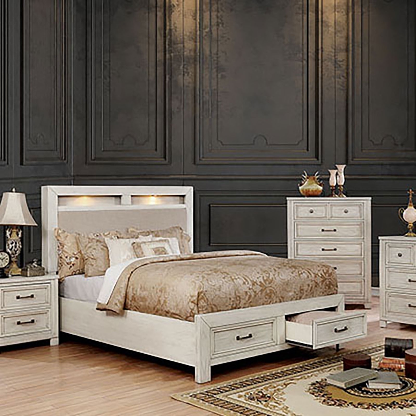 Tywyn Bedroom Set In Antique White By Furniture Of America