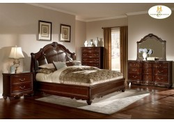 Hampstead Court Traditional Cherry Bedroom Set