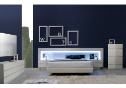 Valencia Contemporary Bedroom Set in White Lacquer