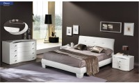 Disco Modern Italian Bedroom Set in White Finish