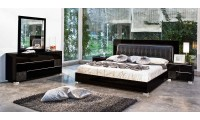 Modrest Grace Italian Bedroom Set in Black Lacquer Finish