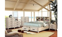Strasburg Traditional Bedroom Set in Wire Brushed White