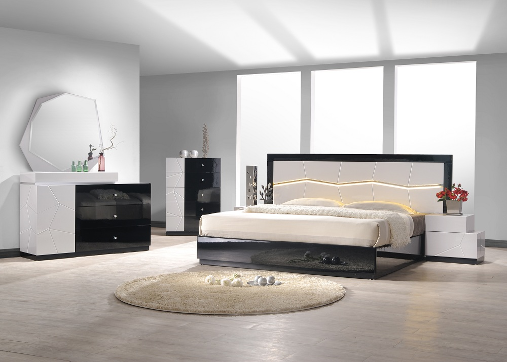J&M Turin Bedroom Set in Grey and Black Lacquer