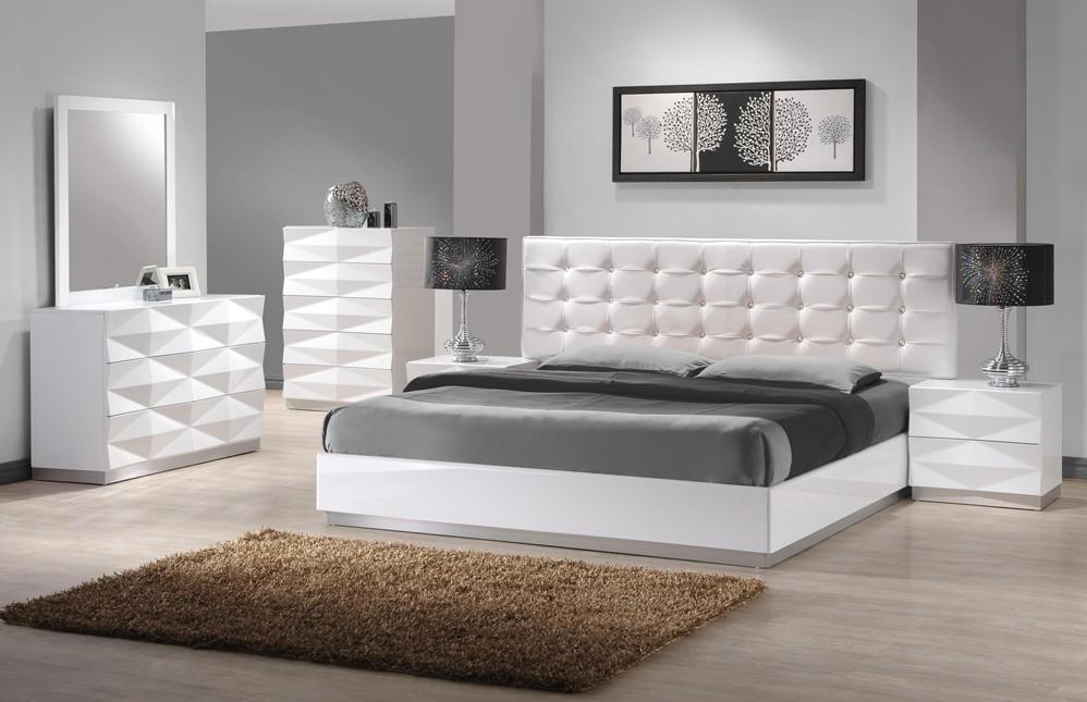 J&M Furniture Verona Bedroom Set in White Lacquer Finish